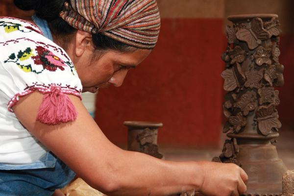 Tierra brillante/Brilliant Soil : Producciones México : Sistema de  Información Cultural-Secretaría de Cultura
